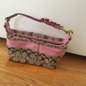 CLASSIC COACH POUCH WITH PINK STRIPE